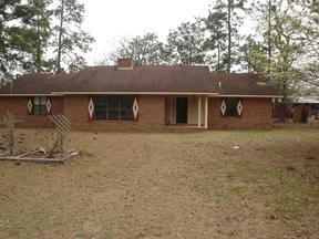 Residential : 157 John Smith