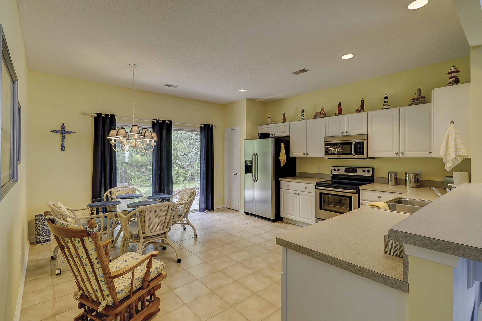 Spacious Primrose Kitchen in Sun City Hilton Head