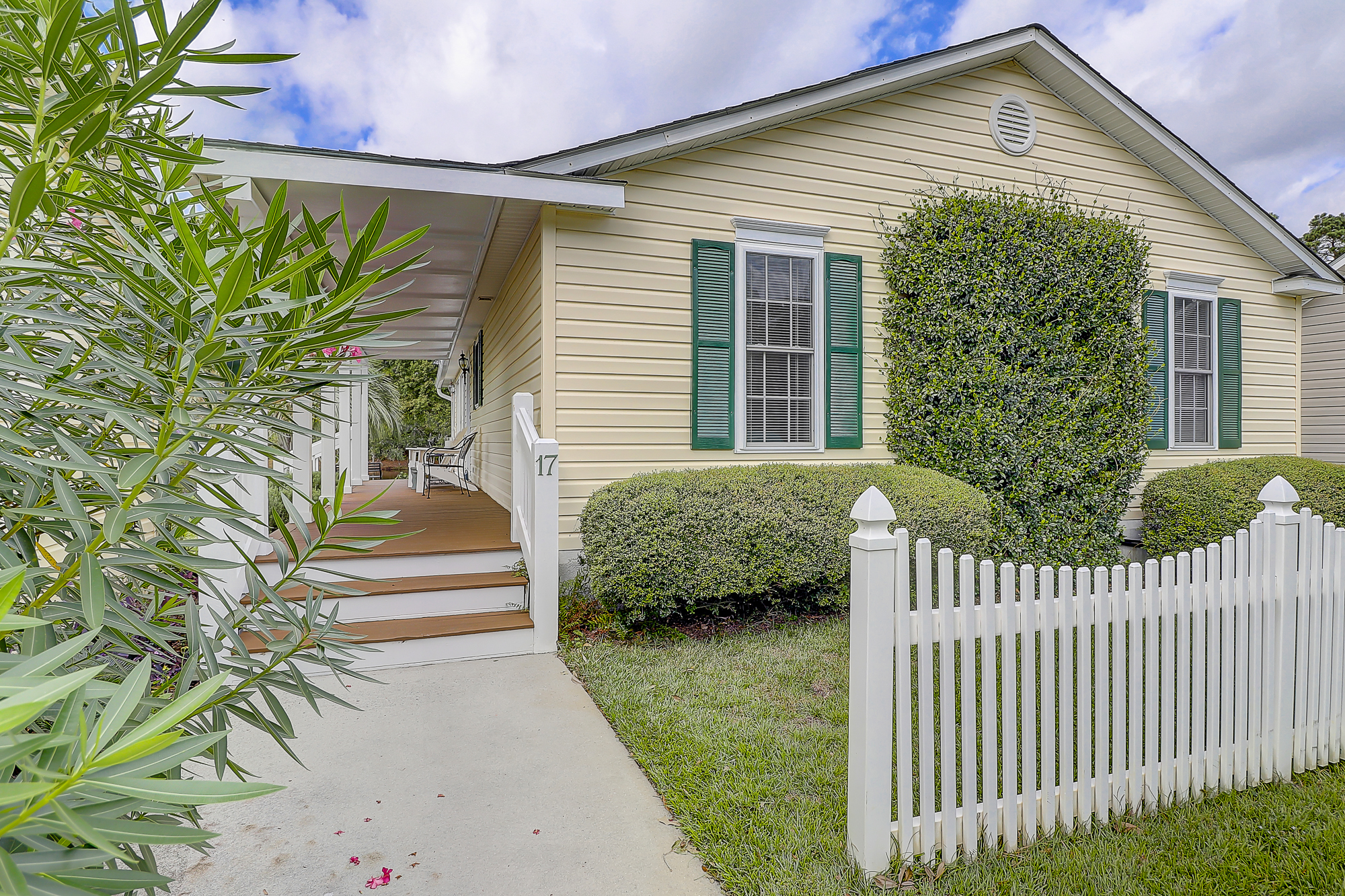 Southern Coastal Home with a Picket Fence For Sale - Sawmill Forest