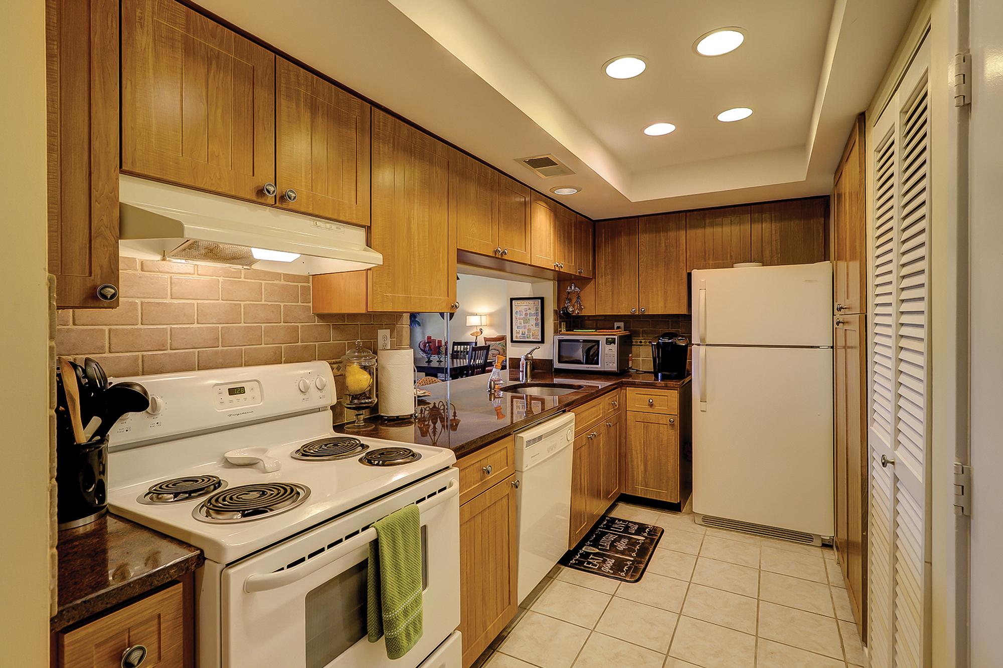 Hilton Villa For Sale with Granite Counter Tops in Shelter Cove