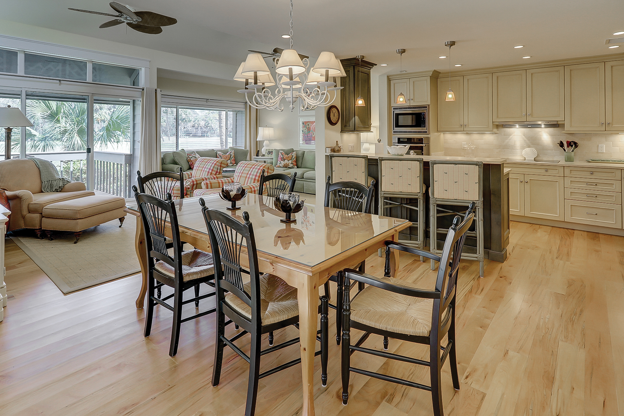 Take a look at this awesome remodeled Turnberry Villa in Palmetto Dunes