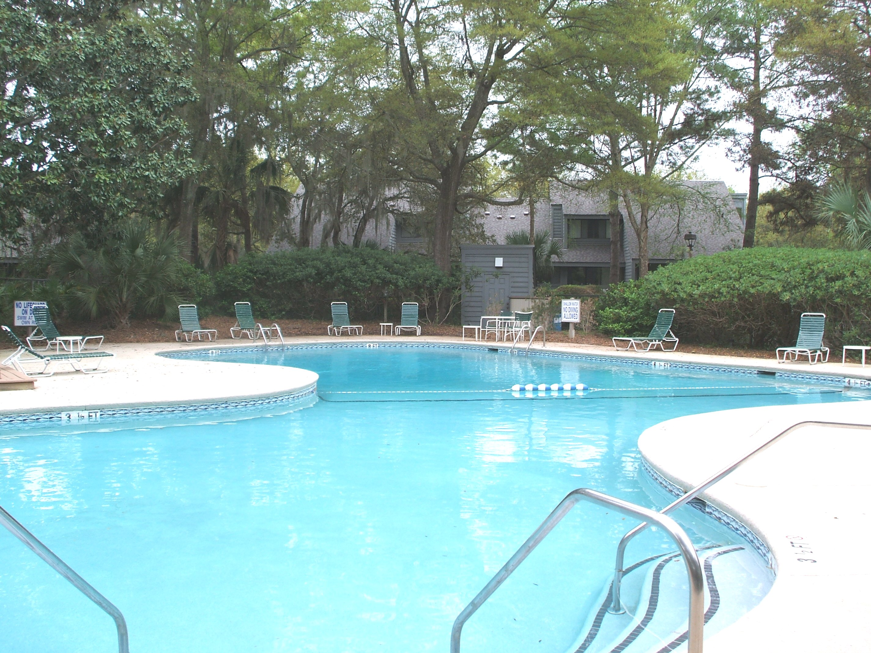 Free form pool in Turnberry Village Villas in Palmetto Dunes
