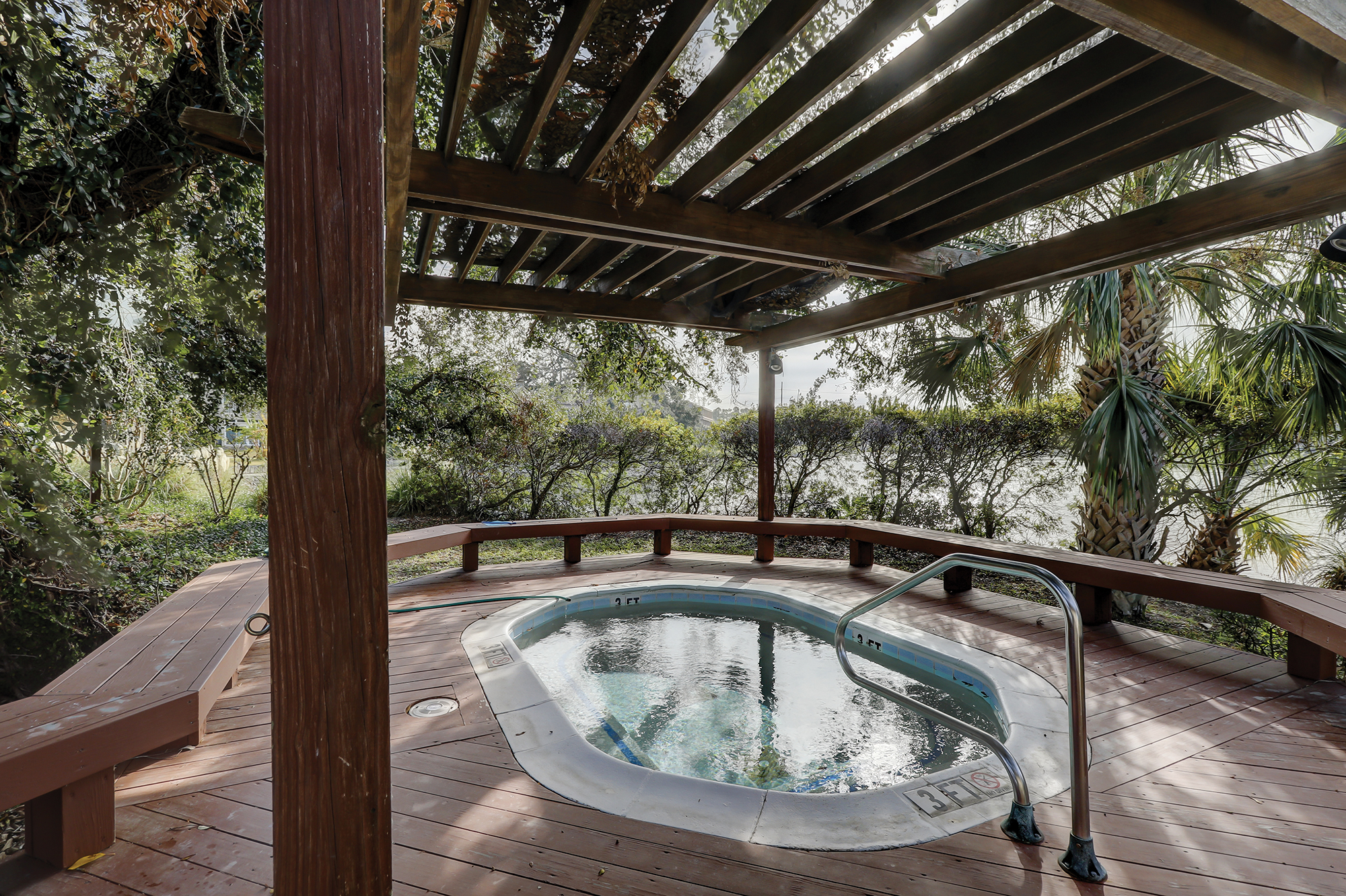 Enjoy a relaxing dip in the spa after a day of golf and beach. Hilton Head Island
