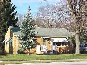 Residential : 119 W South Boundary