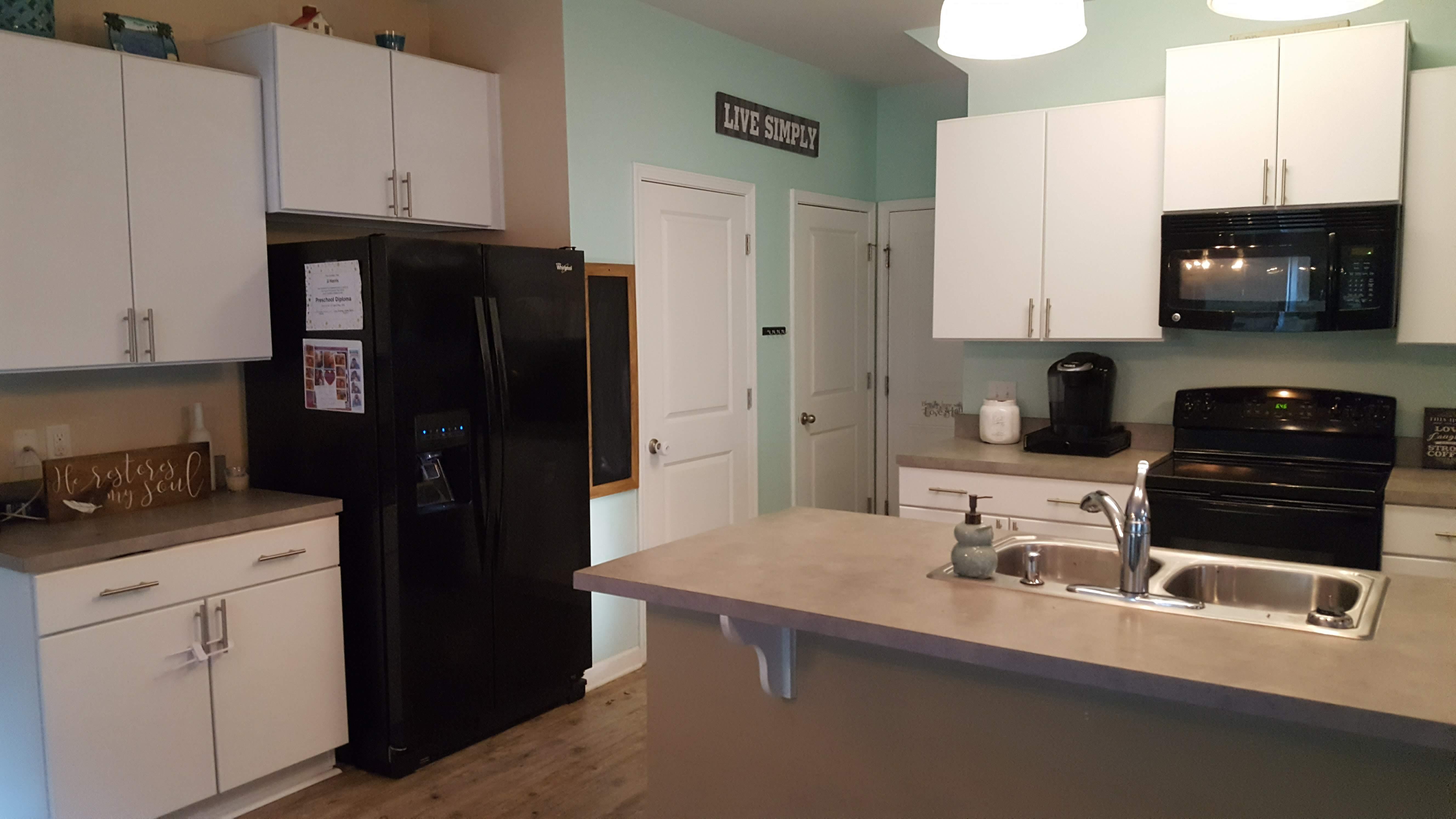 4829 Tidalwalk Lane Kitchen