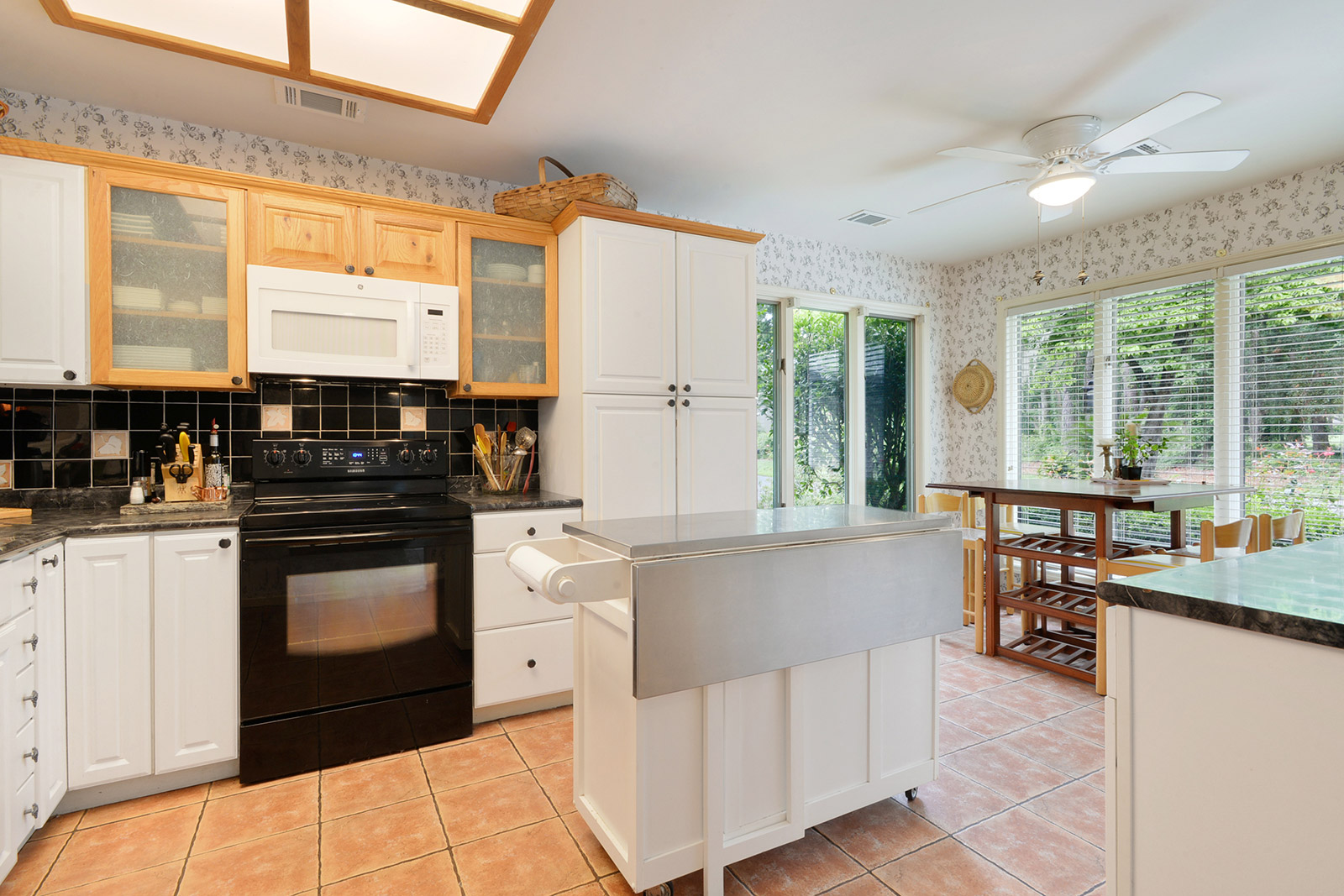 625 S Reeve Rd Kitchen