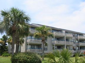 Beach Condo Vacation Rental: M-218 Ocean View Villas