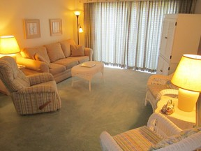Condo Sleeps 6 Vacation Rental: F202 Cedar Reef Villas