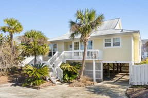 Harbor Island SC Single Family Sleeps 8 Vacation Rental: $2,225 Per Week