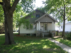 Single Family Home Sold: 905 W. LaBelle Avenue