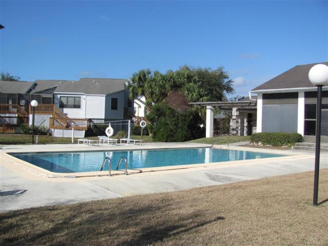 River Cove Landing Community Pool