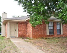 Half Duplex For Lease: 5700 Ranchogrande Dr.