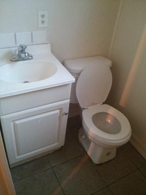 Lake Elsinore CA Residential For Rent: $950