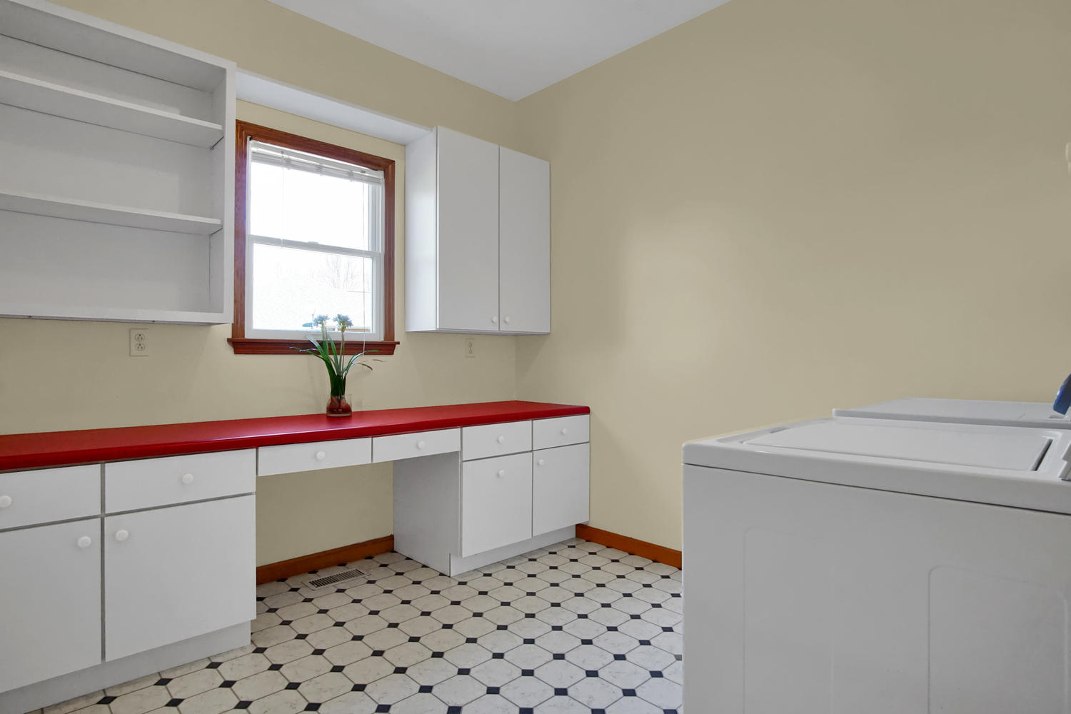 123 McKendree Park - Laundry Room