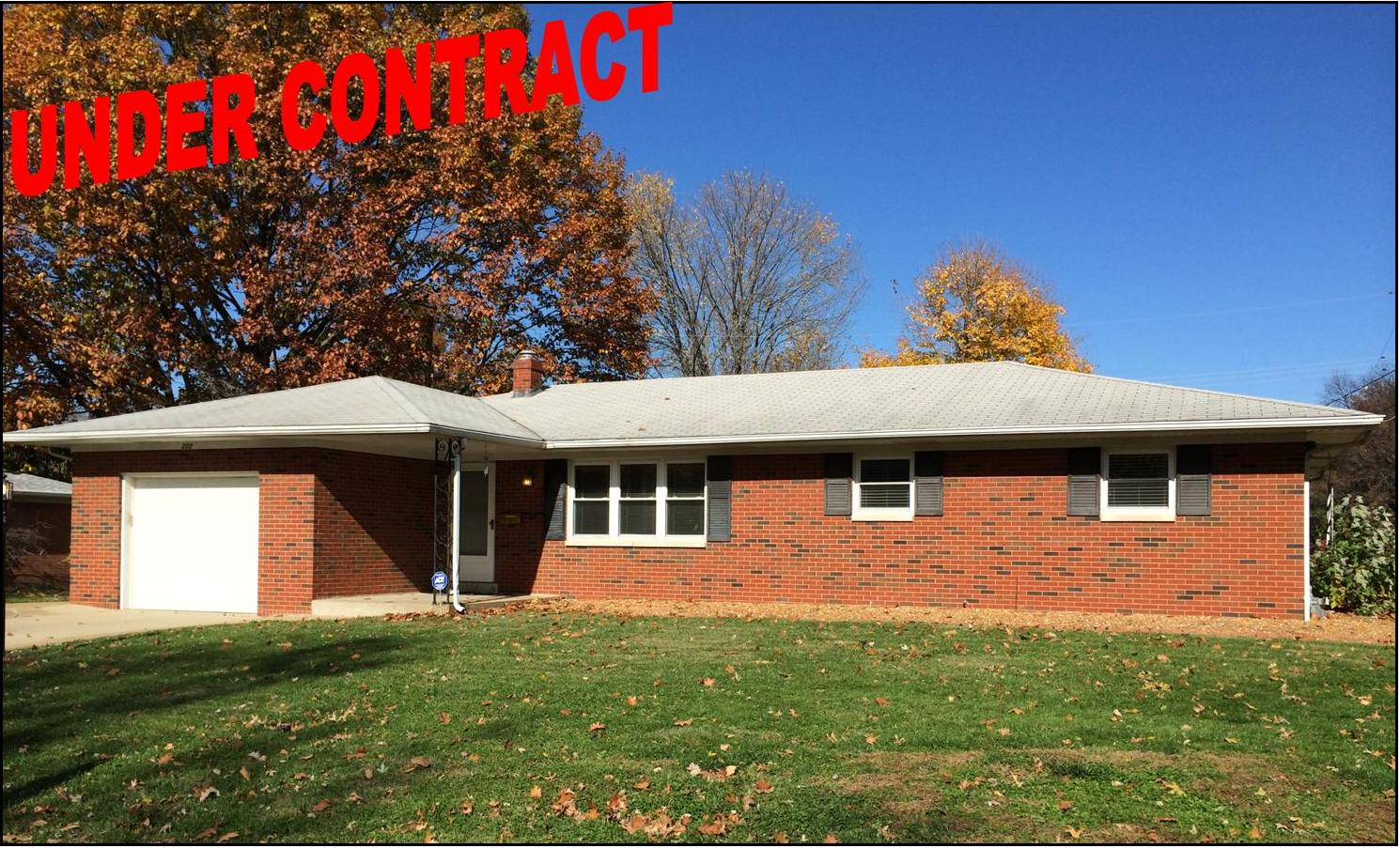 202 Fontainebleau OFallon IL Under Contract Yolanda Realtor