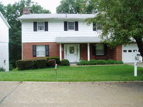 Residential : 2009 Parkwood Road