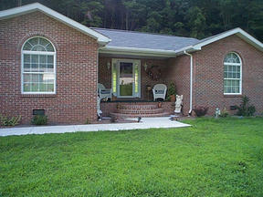 Residential : 2345B Derricks Creek Road