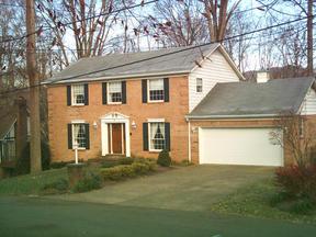 Residential : 28 Meadowood Est.
