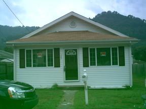 Residential : 147 W. REYNOLDS AV
