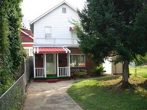 Residential : 803 MAIN ST