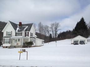 Single Family Home For Sale: 439 E. Main Street