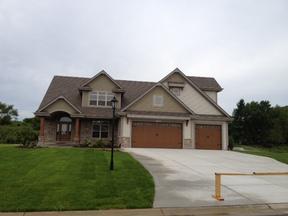 Residential Sale Pending: W246 N2031 Still River Drive