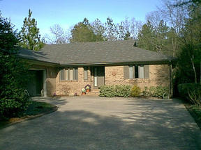 Residential : 170 St. Andrews Drive