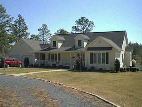 Residential : 122 PINESAGE DR