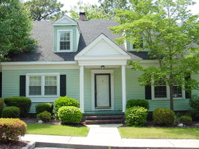 Lease/Rentals : 16 Colonial Pines Cir