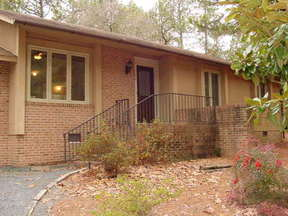 Lease/Rentals : 102 Cottage Grove Ln