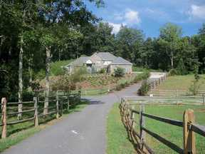 Single Family Home SOLD by GA Horse Farms!: 952 Thomas Road