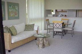Residential : 75-5669 Kuakini