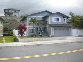 Residential : 75-6131 HAKU MELE ST