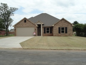 Elgin OK Single Family Home For Lease: $1,400 month