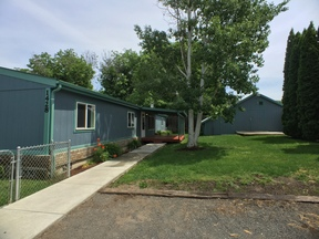 Manufactured Home Active w/ Bump: 1428 Powers Avenue