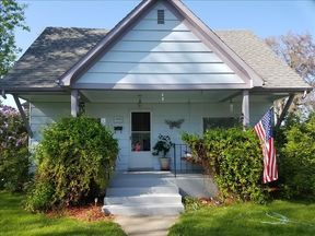 Single Family Home Sale Pending: 1315 12th Ave