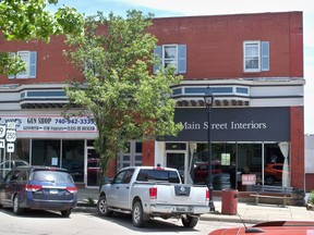 Commercial/Residential For Sale  NEW  RC317: 154 S Main St