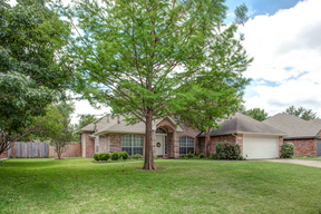 Benbrook TX Single Family Home Sold: $240,000