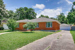 Single Family Home For Sale: 729 Sherwood Drive