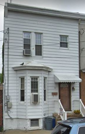 Rental For Rent: 2 Washington Ave