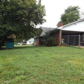 Single Family Home 123 Heartland Drive: 123 Heartland Drive