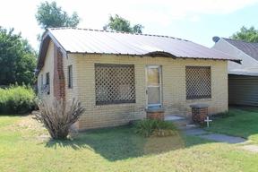 Single Family Home Sold: 1017 S Eton