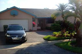 Hollywood FL Single Family Home For Sale: $299,000
