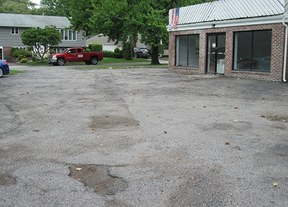 Commercial  For Lease: 121 Glenwood Rd