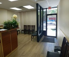 Commercial For Rent: 68-29 Myrtle Ave #1