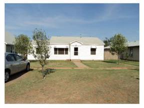 Residential : 604 N Jackson
