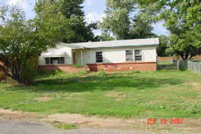 Residential : 806 W 4th