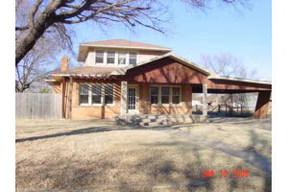 Residential : 319 E b street