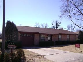 Residential : 326 E. Cleveland