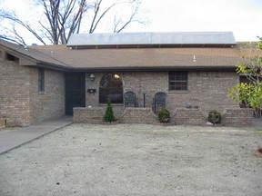 Residential : 405 W. BUCHANAN